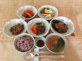 一汁三菜 韓国料理の配膳例です。