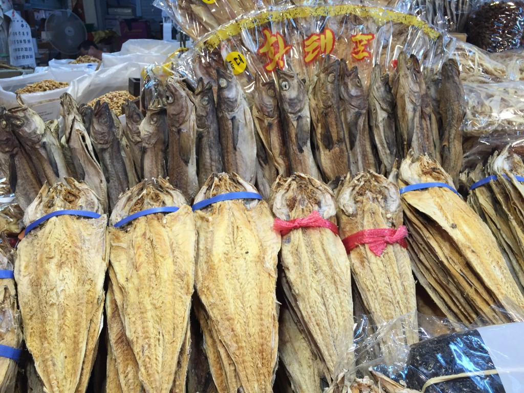 韓国の市場 干し鱈