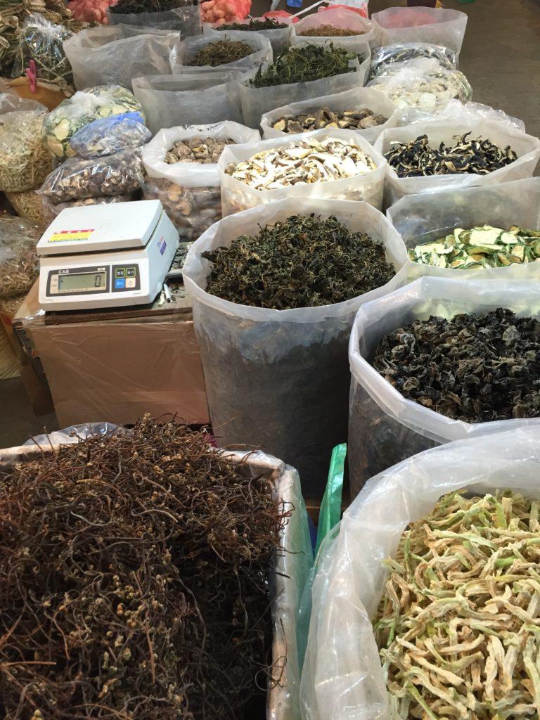 韓国市場の干し野菜